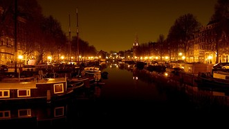 Amsterdam nocą - katalog miast Why Not Fly